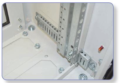 rys. 9 Regulacja głębokości montażu aparatury